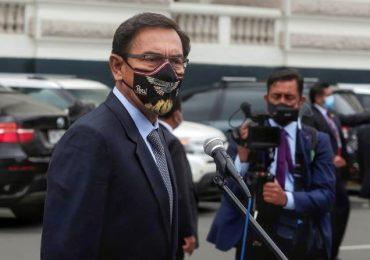 Congreso peruano destituye a presidente Vizcarra por denuncias de corrupción