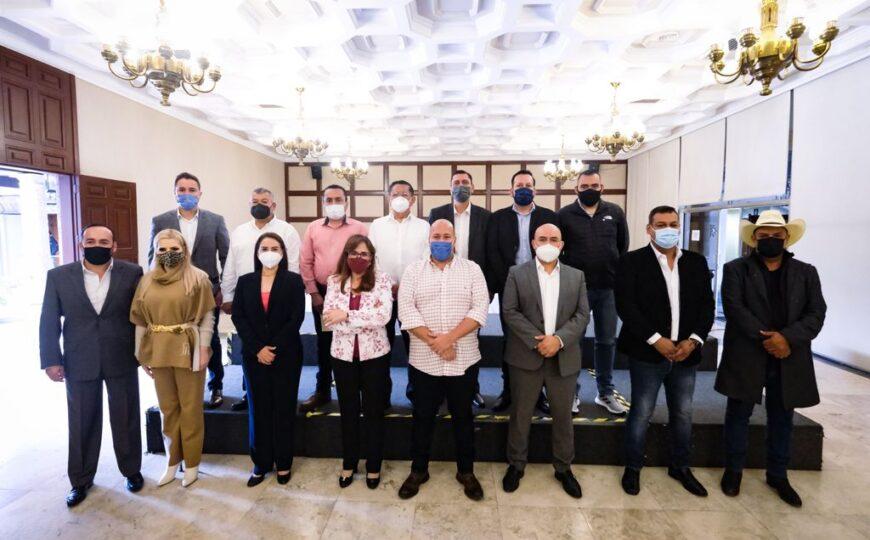 Se reúne el Gobernador y los alcaldes electos de Morena